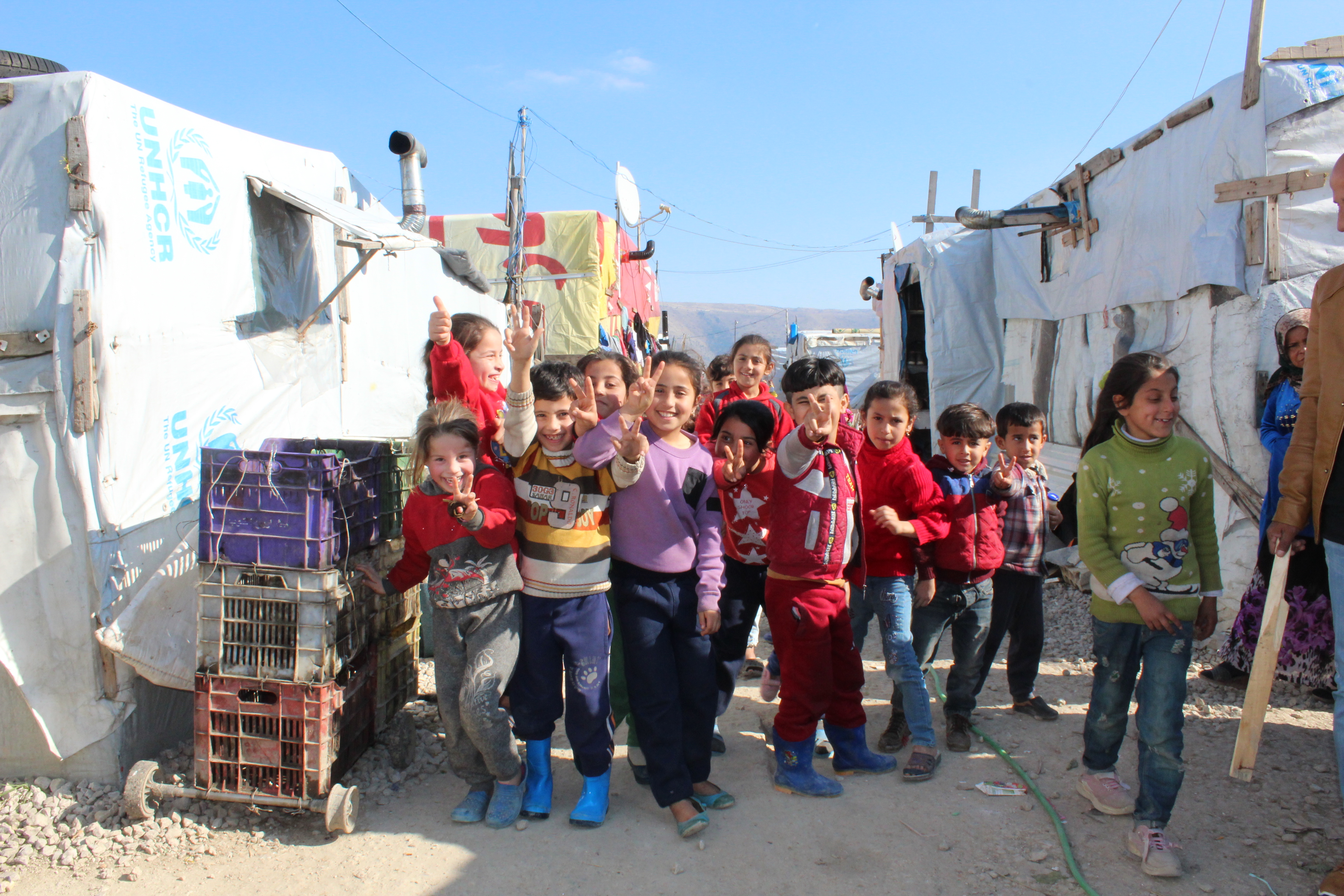 Help for Syrian refugees in emergency shelters