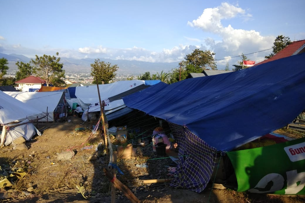 Tent camp made of tarpaulins and cloths