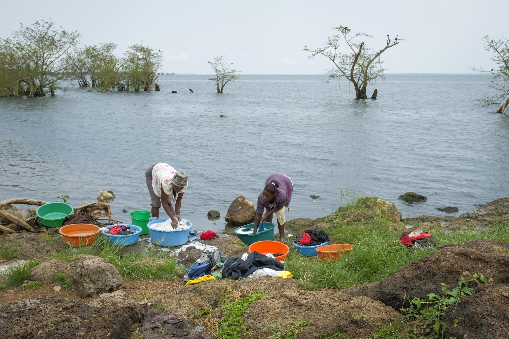 Women washing clothes at Lake Victoria