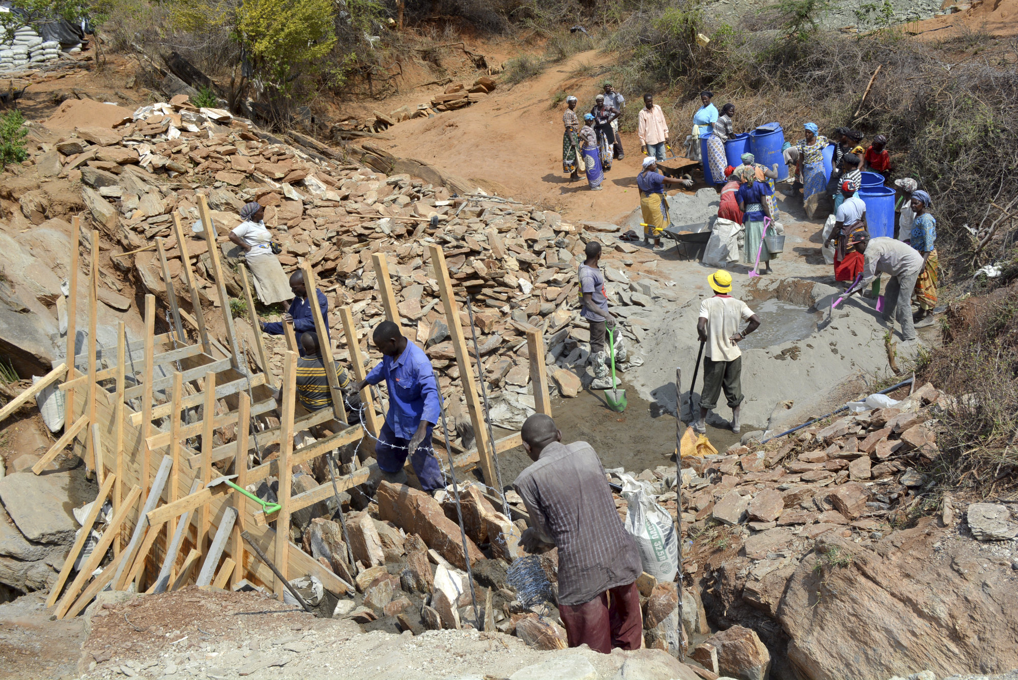 Sand dam construction. Self help group Ndwae Ngutwae